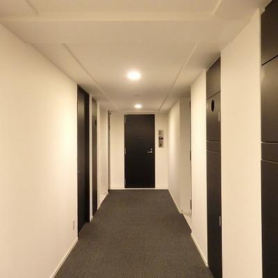 キリッとした廊下
