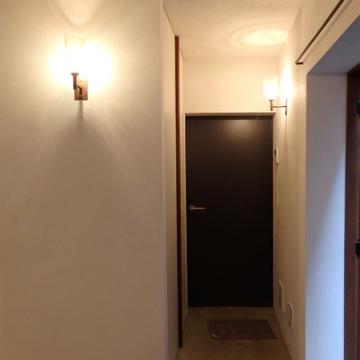 玄関はモルタル※写真は別部屋です。