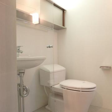 浴室は一体型※写真は別部屋です。