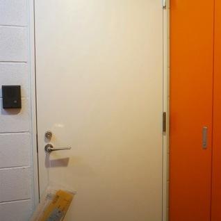 ポップな玄関周り。※写真は別部屋