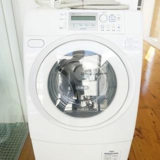 備え付けのドラム式洗濯機!※写真は別部屋