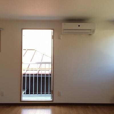 2階のお部屋は日当たりも風通しもいいでよ!