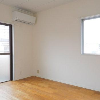2面採光で明るい寝室です!太陽の光でスッキリ起きたい方にぴったり※写真は前回募集時のものです