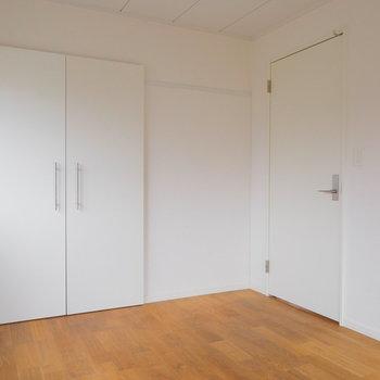 白塗装と無垢床がいい相性です※写真は前回募集時のものです