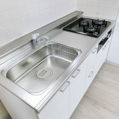 キッチンはゆったりサイズなのです