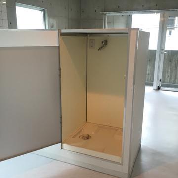 キッチンの反対側に洗濯機置場。サイズは要確認。※写真は前回募集時のものです