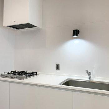 【3階】キッチンは4口ガス!本格的な料理もできますね。