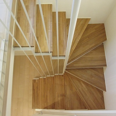 メゾネットです。しっかり目の階段