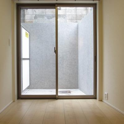 半地下でも窓があると明るくていいですよね
