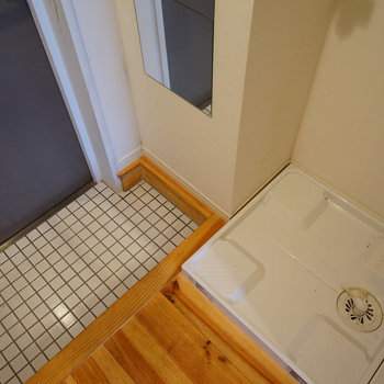 玄関横に洗濯パンを。※写真は前回募集時のものです