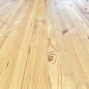 無垢床が空間を温かく魅せてくれます。