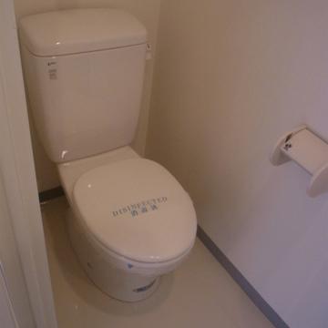 トイレはシンプルですね。