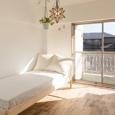 寝室は陽がよく入ります。