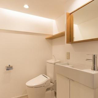 トイレ・洗面台も新しく。