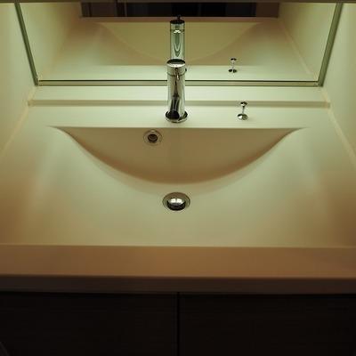 独立洗面台のこの雰囲気なんか好き。※写真は前回募集時のものです
