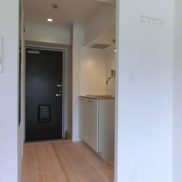 キッチンと居室の間にはメリハリつける段差を!※写真は前回募集時のものです