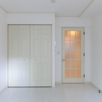 こちらもホワイトで統一です。※画像は別室です