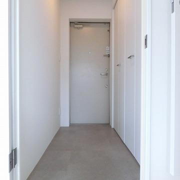 玄関は土間スペースになっております。※写真は前回募集時のものです
