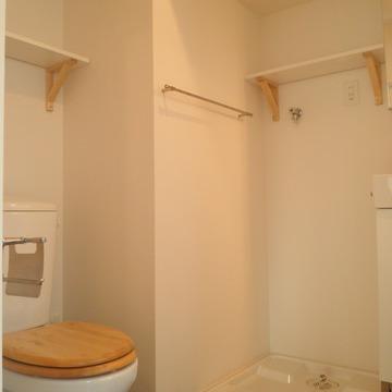 木製便座のナチュラルトイレです。 ※写真はイメージ