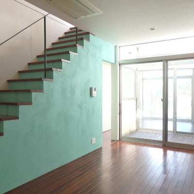 コンポーズブルーの階段がオシャレ!
