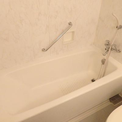 お風呂の浴槽は広くていい!