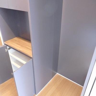 収納と、冷蔵庫置き場