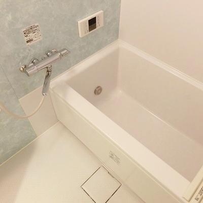 爽やか水色のお風呂。※写真は別部屋