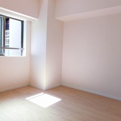 寝室スペースへに太陽の恵みです。