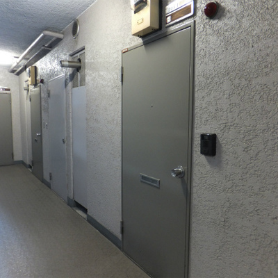 建物の廊下はこんなかんじです。