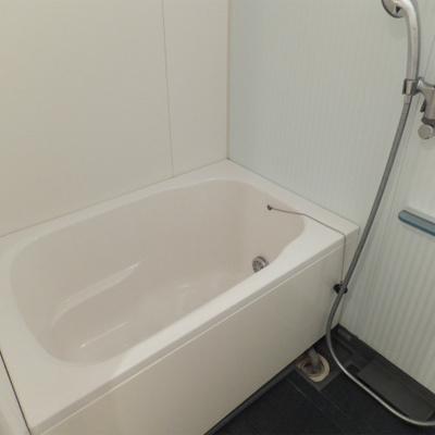 お風呂はとっても綺麗。