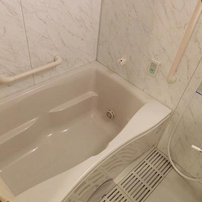 お風呂もゆったりと。
