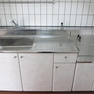 置き型キッチン。好きなものを置けるので意外とおすすめ。
