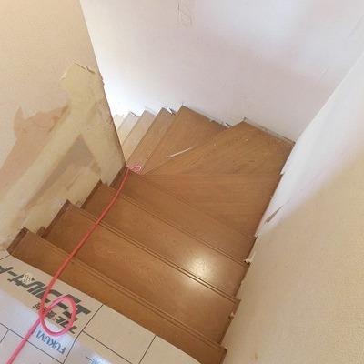 階段はこんな感じですね ※写真は現状