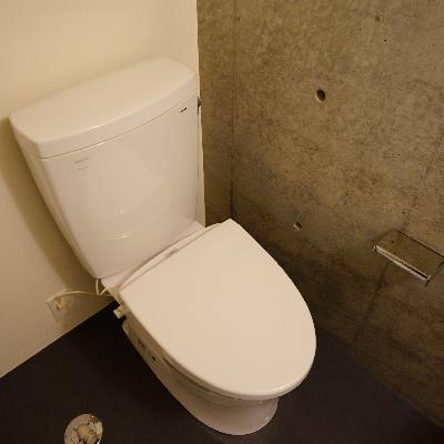 トイレはシュッとしたオシャレなデザイン♪