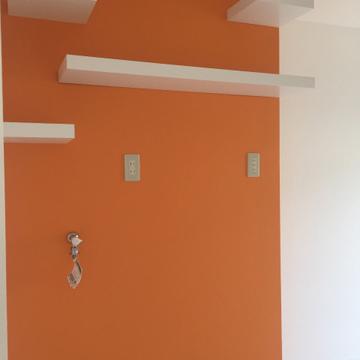 洗濯機置場もオレンジ!棚がいいね。※写真は前回募集時のものです