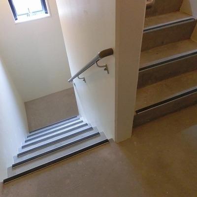 階段で3階まで上がりましょう~