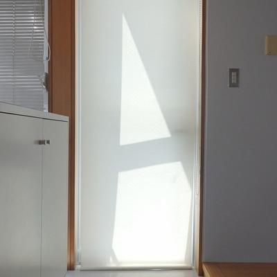 玄関はブラインドで視線をカット!※写真は前回募集時のものです
