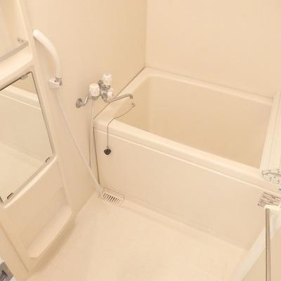 お風呂はすこしこじんまり※写真は前回募集時のものです