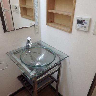 クリアな洗面台もおしゃれ!※写真は前回募集時のものです。