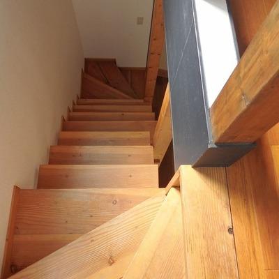 この階段ナチュラルでいい。※写真は前回募集時のものです。