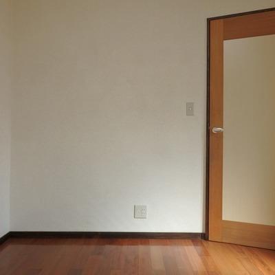 ちょっと変わった形のお部屋(1階洋室)※写真は前回募集時のものです。