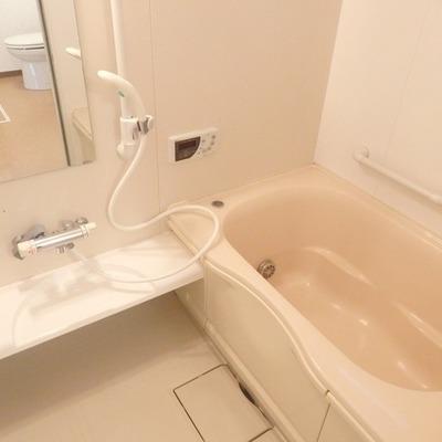 お風呂は広々~