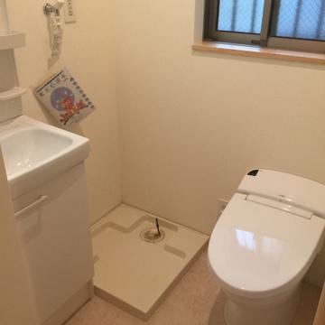トイレと洗濯機と洗面台
