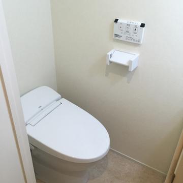 トイレは独立。