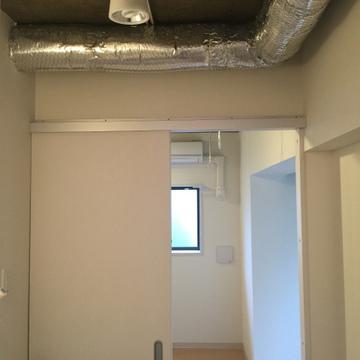 天井が打ちっぱなし・パイプむき出し※写真は前回募集時のものです