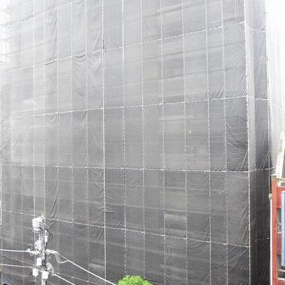 前に大きな建物が建つそう。