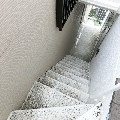 3階までは階段ですね