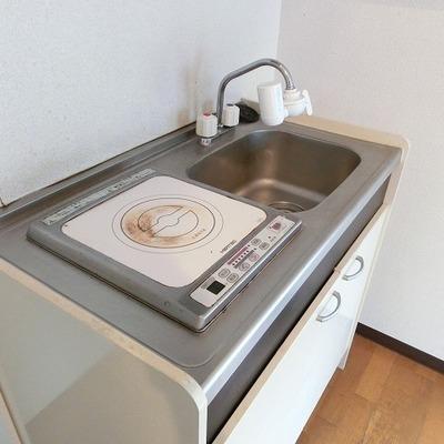 IHコンロのシンプルキッチン