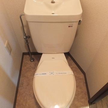 トイレは個室で分かれているのが嬉しい!