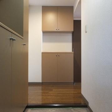 しっかりとした玄関です。